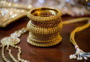 Jewelry Spotlight Lacquer